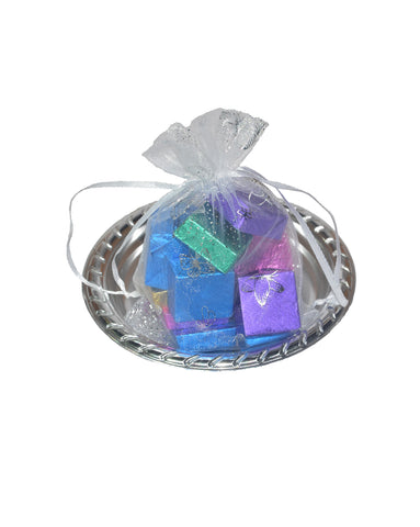 White Round Chocolate Gift Tray –  15 Pcs.