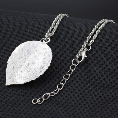 Leaf Shape Decorated Metal Necklace - fashionyanclothes