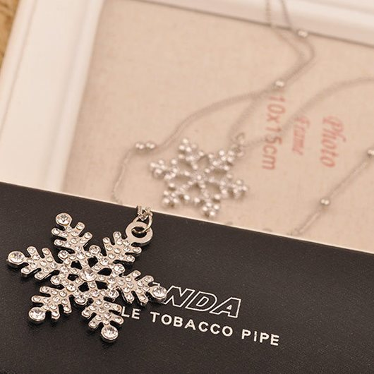 Rhinestone Decorated Snow Shape Silver Metal Beaded Necklace - fashionyanclothes