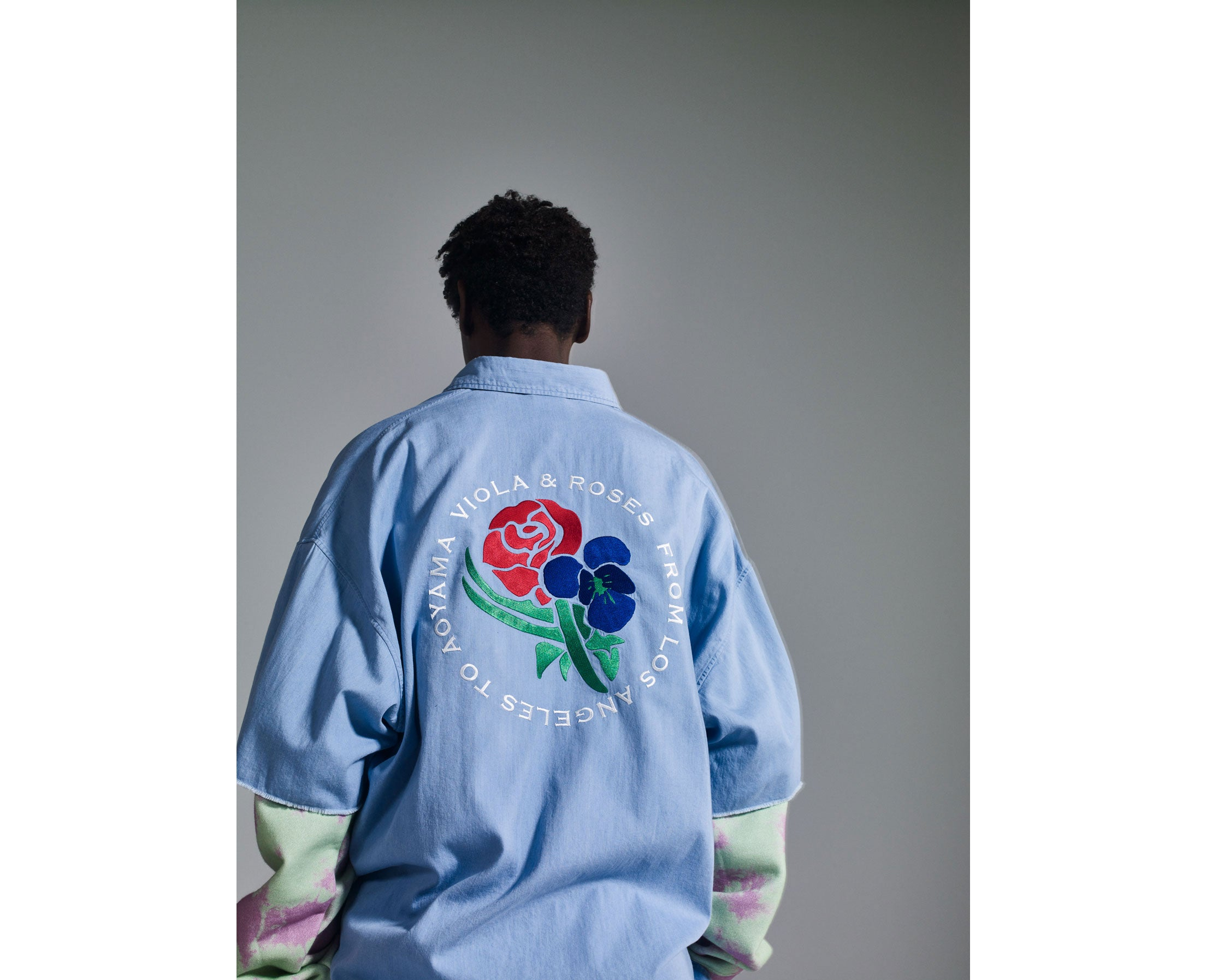 https://www.mrgentleman.jp/products/viola-roses-embroidered-denim-shirt
