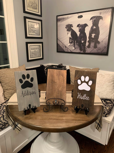 Wood Leash Holder with Paw Print and Pet's Name