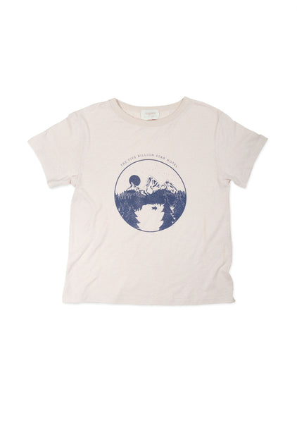 Five Star Hotel Tee Off White by Auguste