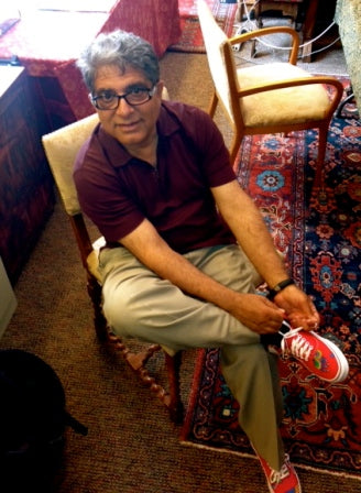 Deepak Chopra - Peachs Neet Feet Shoes