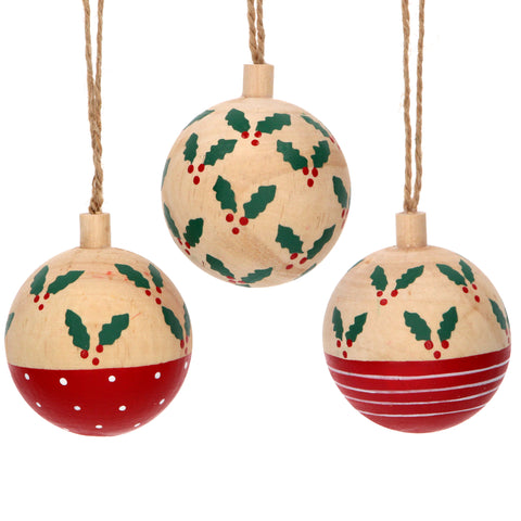 Wooden Bauble with Holly