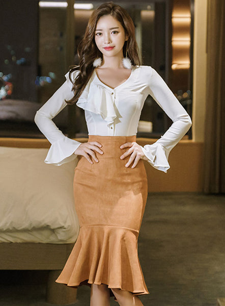 CM-SF112117 Women Elegant Flouncing V-Neck Blouse With Fishtail Skinny Skirt - Set