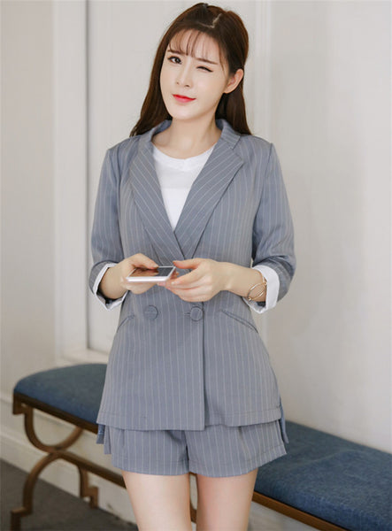 CM-SF033107 Women Stylish Tailored Collar Stripes Blazer With Short Pants - Set