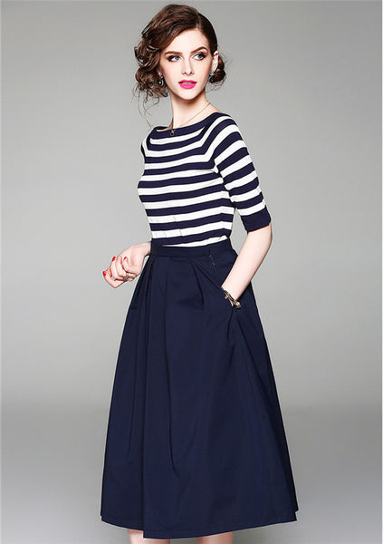 CM-SF040931 Women European Style Boat Neck Stripes T-Shirt With A-Line Long Skirt - Set