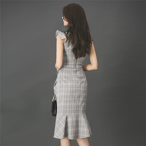 CM-DF061017 Women Seoul Style V-Neck Fitted Waist Fishtail Plaids Tank Dress