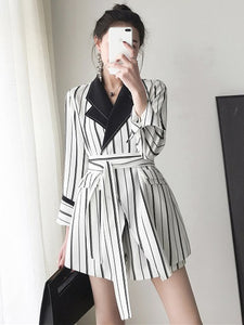 CM-SF061503 Women Classic Style Tailored Collar Tie Waist Stripes Short Leisure Suits - Set