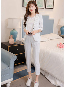 CM-SF080125 Women European Style Beige Tailored Collar Stripes Cropped Leisure Suits - Set