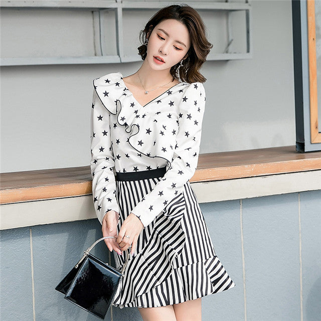 CM-SF081220 Women Seoul Style Stars Flouncing Blouse With Stripes A-Line Skirt - Set