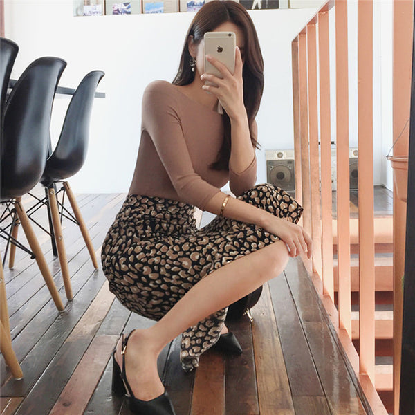 CM-SF082216 Women Casual Boat Neck Knitting Tops With Leopard Long Skirt - Set