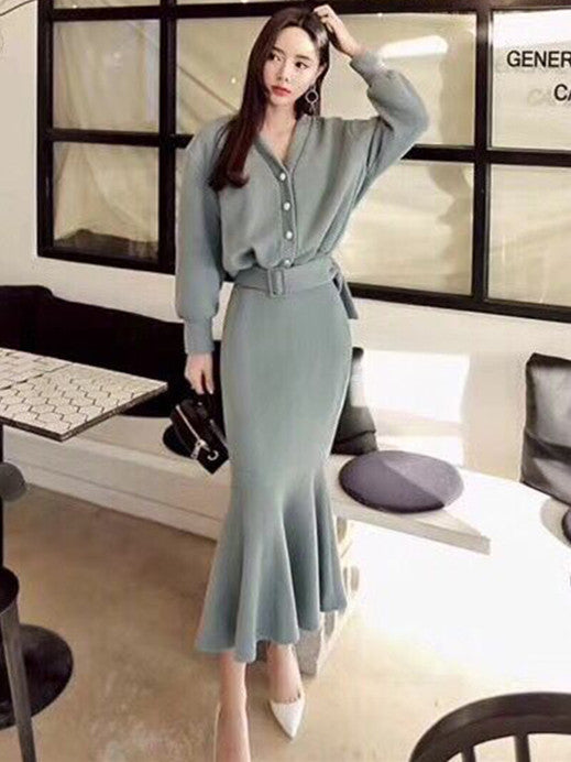 CM-SF082908 Women Seoul Style Autumn Single-Breasted Top With Fishtail Long Skirt - Set