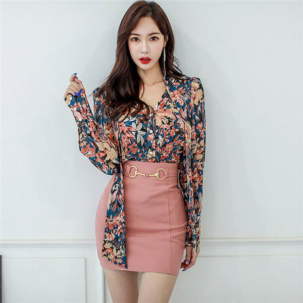 CM-SF093029 Women Charming Seoul Style V-Neck Floral Blouse With Skinny Mini Skirt - Set
