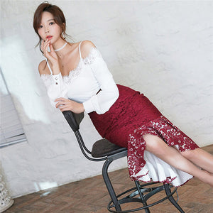 CM-SF122328 Women Charming Seoul Style Boat Neck Blouse With Fishtail Lace Skirt - Set