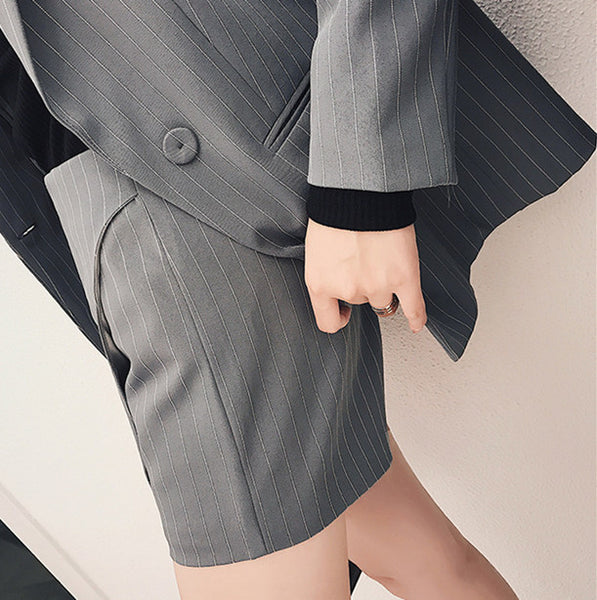 CM-SF010602 Women Casual Seoul Style Tailored Collar Stripes Short Leisure Suits - Set