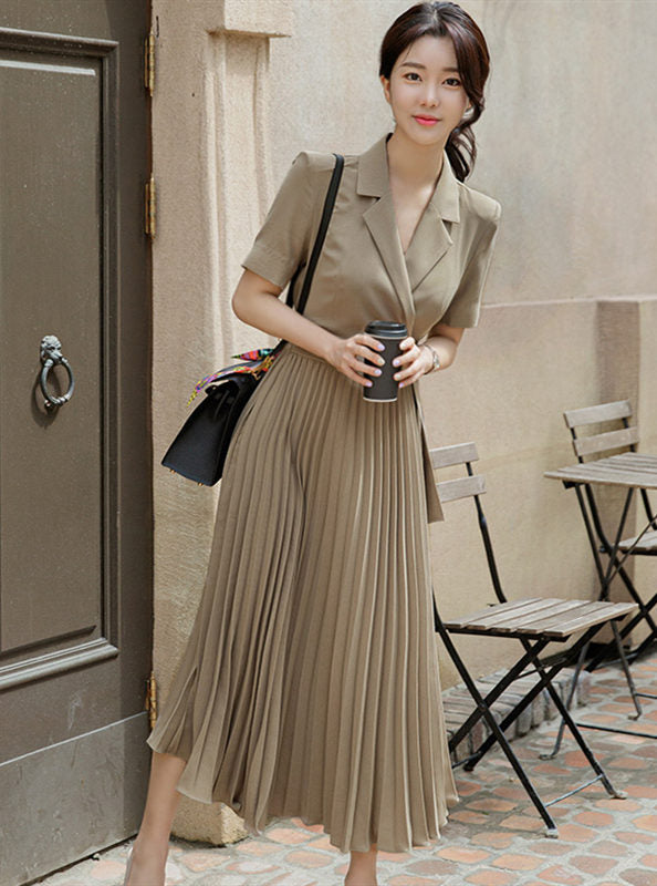 CM-DF060105 Women Elegant European Style Tailored Collar Fitted Waist Pleated Long Dress