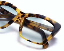 Load image into Gallery viewer, Ana III • Tortoiseshell - HANDMADE IN MONACO