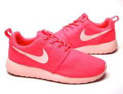 WMNS NIKE ROSHE RUN HOT PUNCH