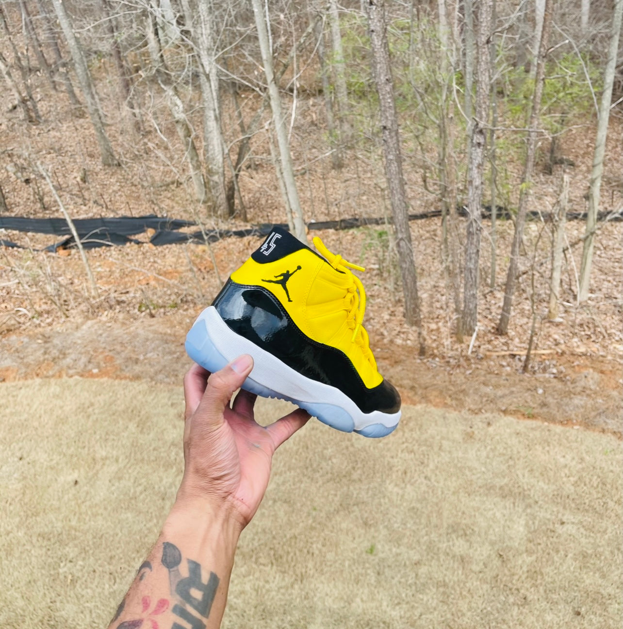 "Jordan 11 ""Yellow black"" Men/Gs"
