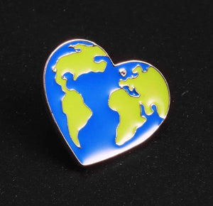 Earth Heart Enamel Pins Protect the Earth Ecology Metal Badge Love Green Earth Brooches Unisex Fashion Jewelry accessories