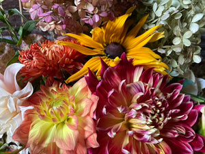 Five Weeks Dahlia and Late Summer Flower Share • Pick Up