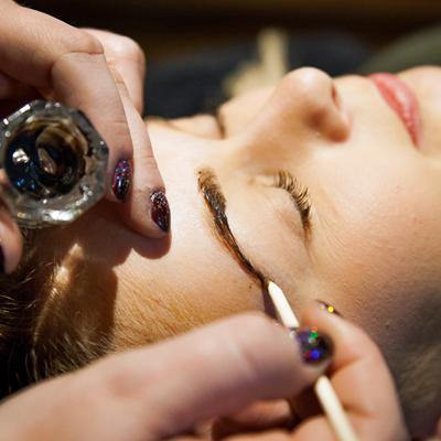 Online Eyebrow Wax & Tint Training