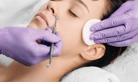 Blackhead Extraction Facial