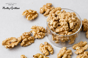 California Walnut Kernels (Pack of 5, 200 g Each ) 1 kg