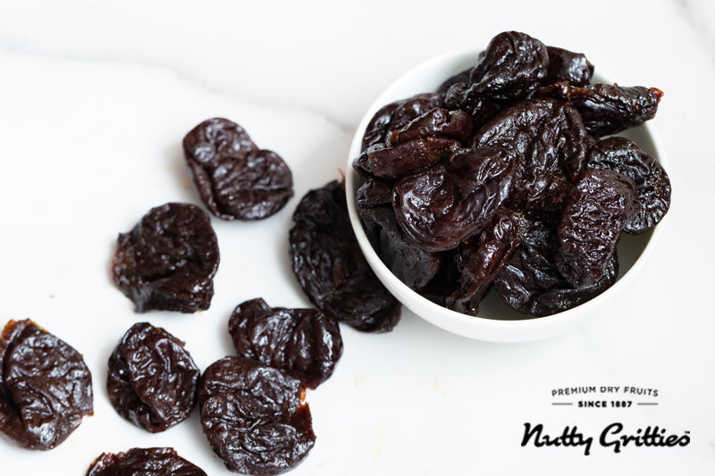 California Pitted Prunes - Dried Fruit Plums - 200 g