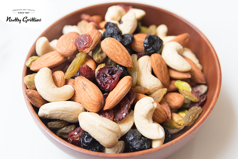 Nutty Gritties Sports Mix - Roasted Almonds, Cashews, Pistachios, Dried Blueberries, Cranberries and Raisins - 550 GMS