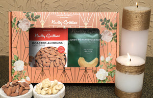 Signature Gift Box  - Jumbo Roasted Almonds 200g, Jumbo Roasted Cashew Nuts 200g  - 400g
