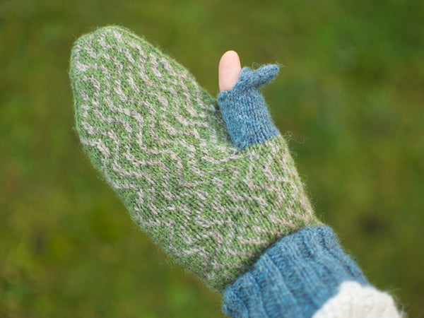 Halo mittens inner hand with thumb hole