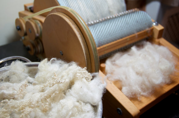 Drum carder and wool