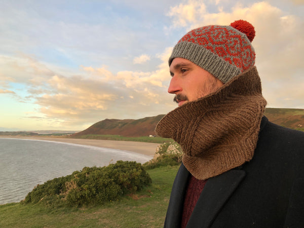Man wearing Aspis hat and Tildearth cowl