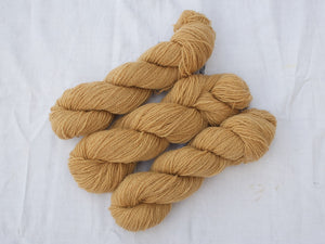 Mendip 4-Ply – Avocado & Onion, mid (Natural dye)