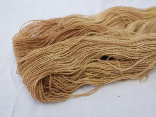 Mendip 4-Ply – Avocado, Tea & Dandelion variegated (Natural dye)