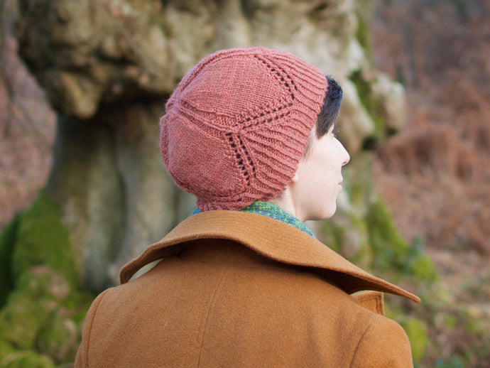 Healas hat knitting pattern