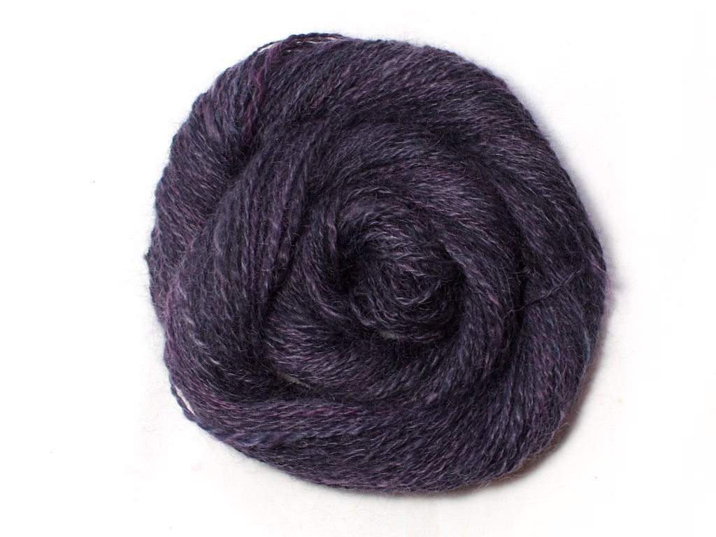Morgana – Hand-spun Mohair Yarn in dark purple (50g)