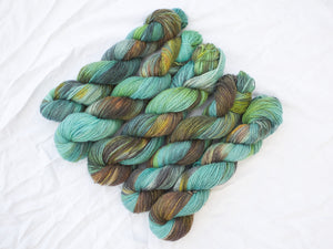 Mendip 4-Ply – Circe Invidiosa (Waterhouse Collection – Limited edition)