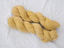 Load image into Gallery viewer, Mendip 4-Ply –Woad yellow (Natural dye)