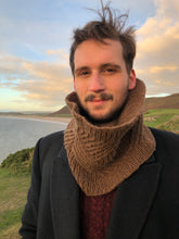 Load image into Gallery viewer, Tildearth cowl knitting pattern