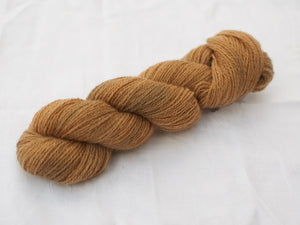 Mendip 4-Ply – Tea & Iron variegated (Natural dye)