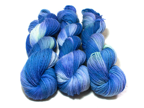 Atlantis – Kent Romney DK in royal blue and pale green