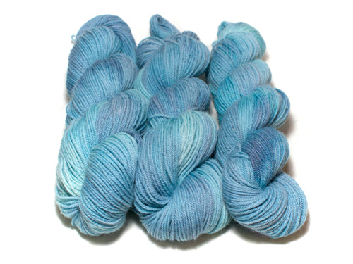 Blue Jay – Kent Romney DK in blue and turquoise