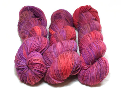 Coulis – Kent Romney DK in pink, purple and red