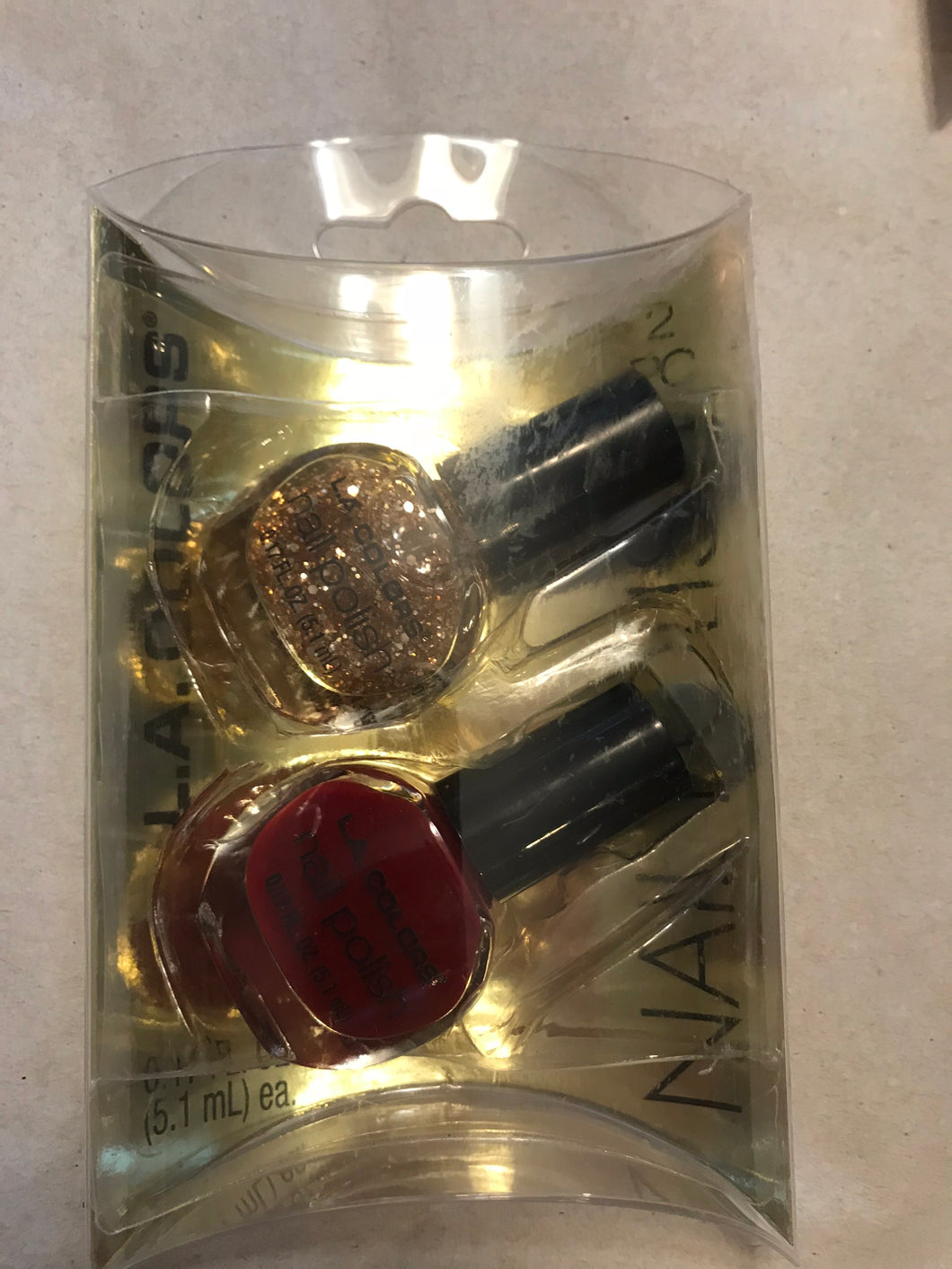 L.A. Colors 2 pc Nail Polish Gift Set