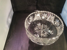 Load image into Gallery viewer, Pinwheel 24% Lead Crystal Bowl 205mm