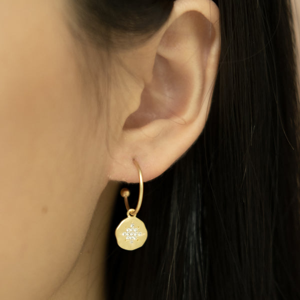 Star gold hoop earring on women l Shop Lonna