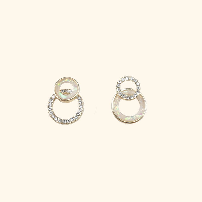 Mismatch silver circle earrings l Shop Lonna